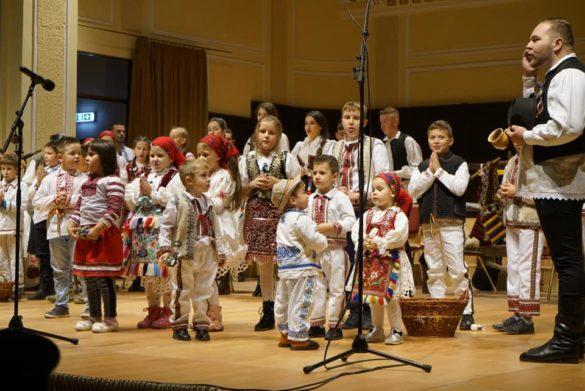 """Eveniment cultural dedicat anului omagial 2019: ,,Poveste dintr-un sat – Șezătoare culturală"""" (GALERIE FOTO)"""