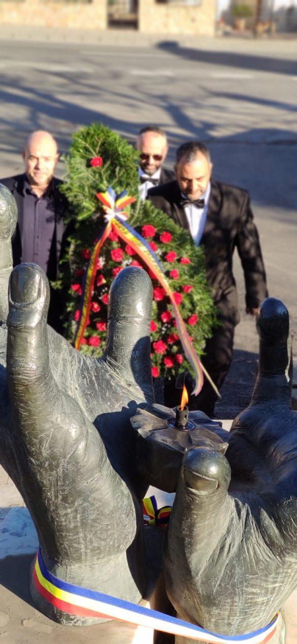 Masonii arădeni au aprins focul sacru al Candelei, la Alba Iulia (GALERIE FOTO)