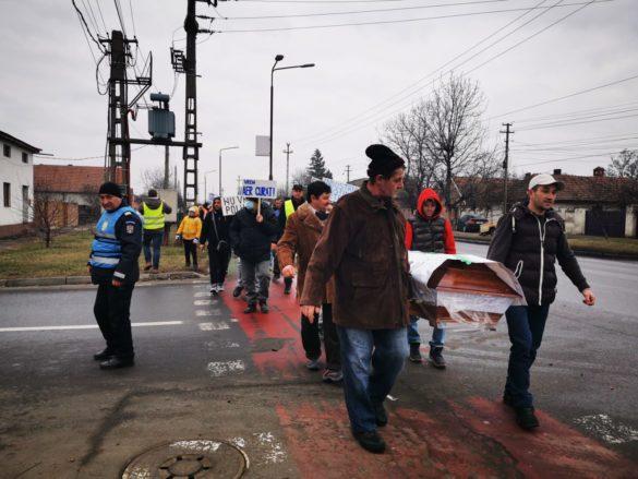 VOX POPULI: Protestul locuitorilor din Gai. Au cerut devierea șoselei de centură care trece prin mijlocul cartierului (GALERIE FOTO+VIDEO)