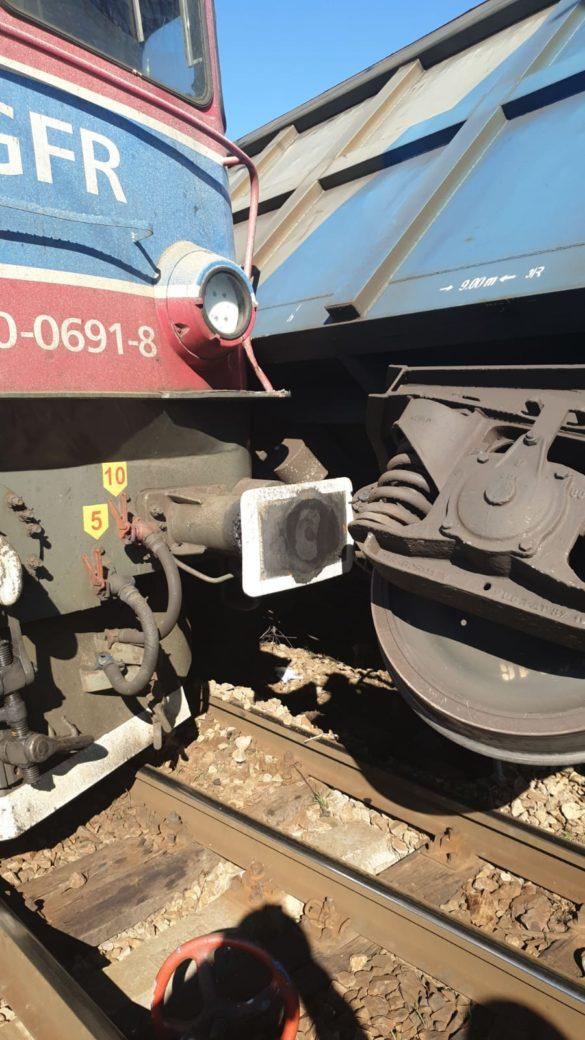 Coliziune între un ansamblu din două locomotive și un tren de marfă, în Mehedinți (FOTO)