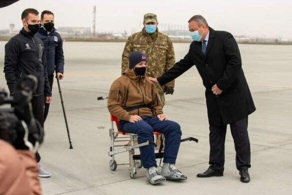 Militarii români răniți în Afganistan au fost repatriați (FOTO)