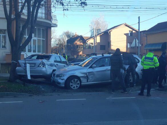 Eveniment rutier între trei autoturisme, în Arad (FOTO)